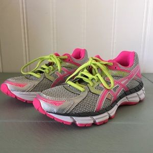 Size 5 women's ASICS Gel Excite 3